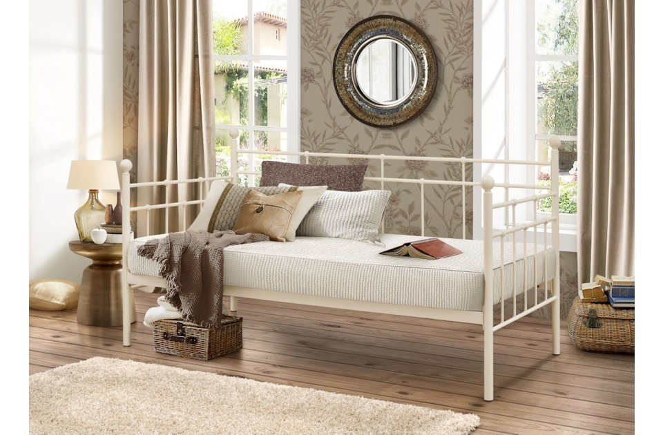 /_images/product-photos/birlea-lyon-daybed-cream-a.jpg