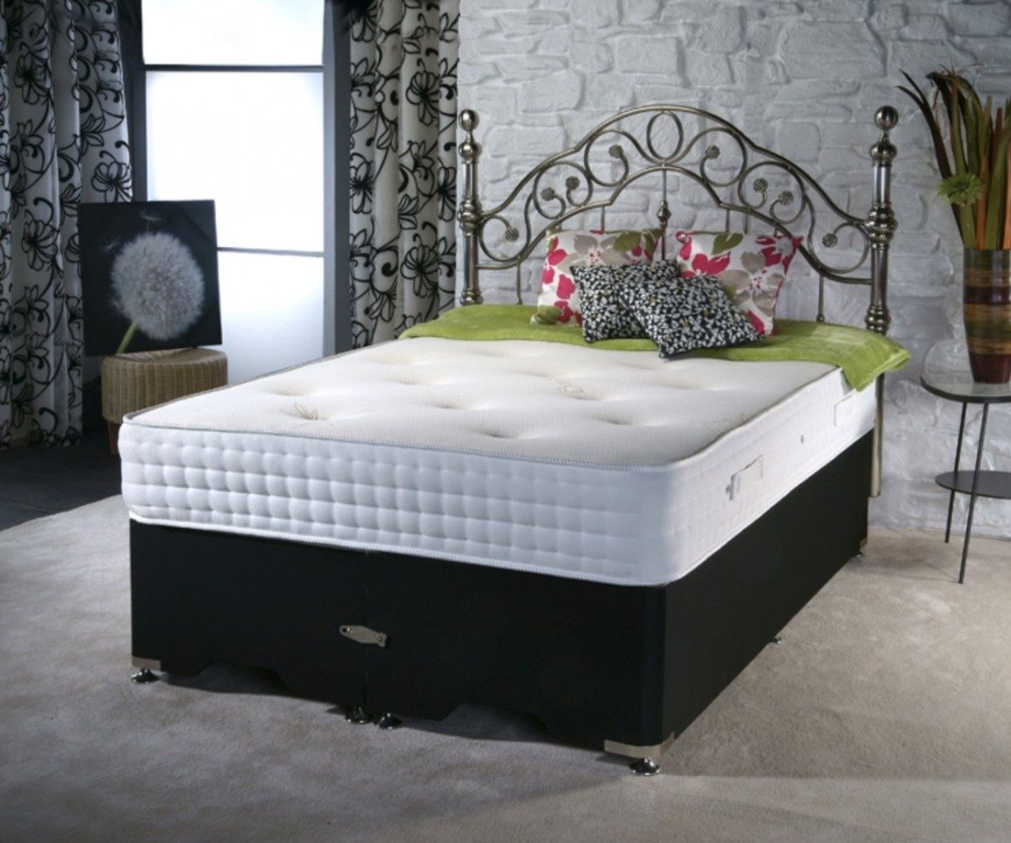 /_images/product-photos/dreamland-beds-bamboo-mattress-a.jpg