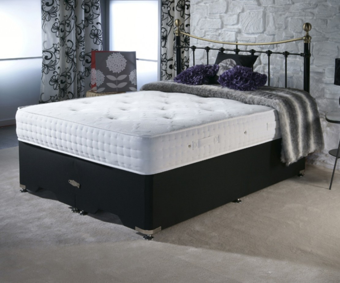 /_images/product-photos/dreamland-beds-bliss-mattress-a.jpg
