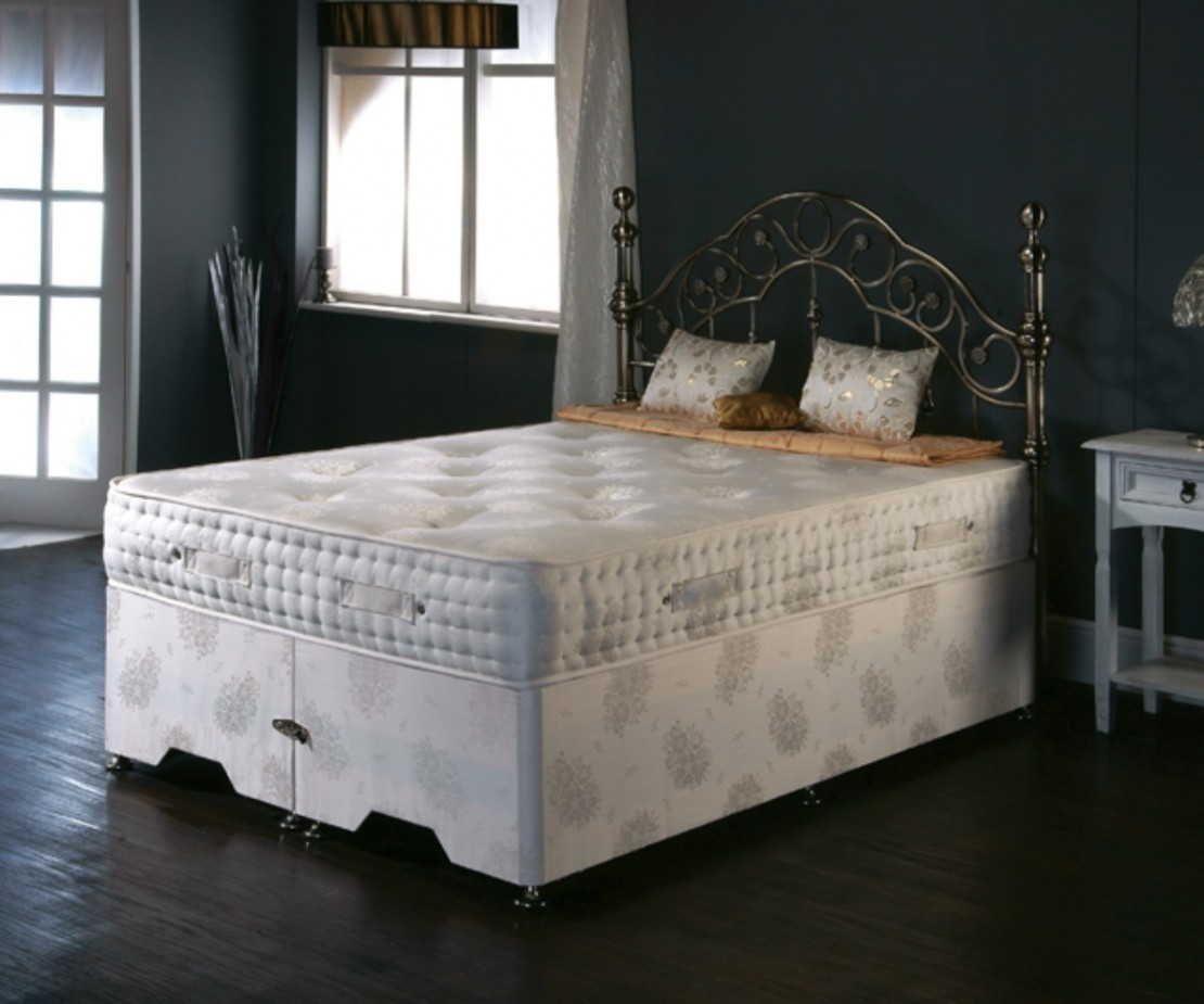 /_images/product-photos/dreamland-beds-marquess-mattress-a.jpg