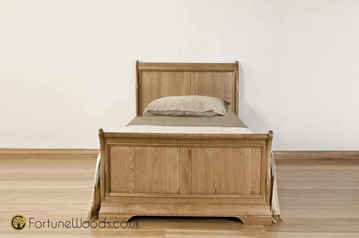 /_images/product-photos/fortune-woods-cortana-sleigh-bed-a.jpg