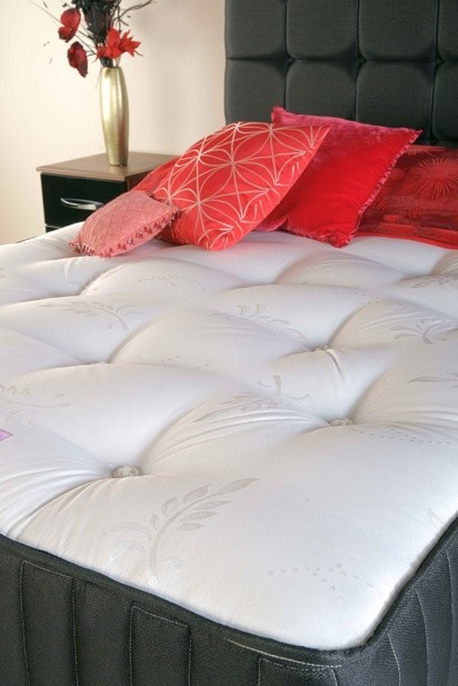 /_images/product-photos/tender-sleep-premium-gold-mattress-a.jpg